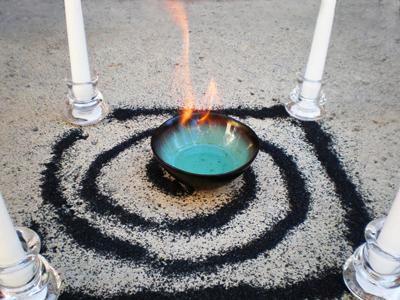 ... de la espiral, es utilizado para atraer a los espíritus errantes