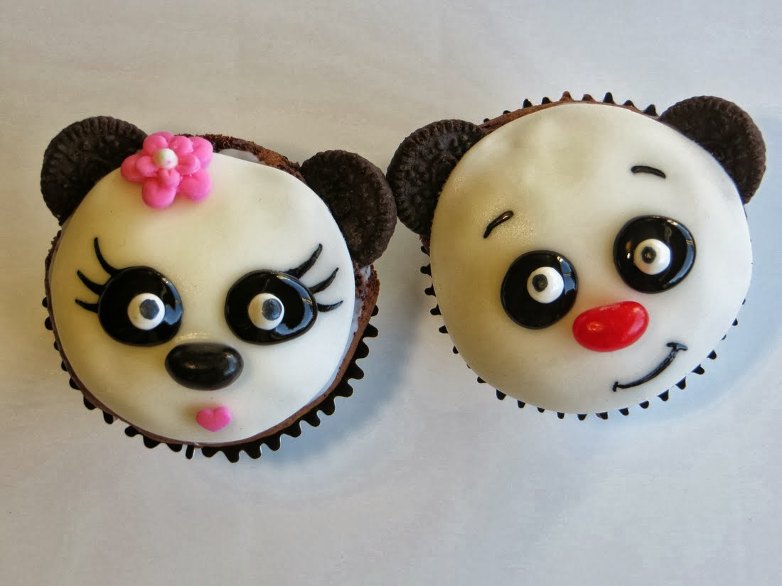 Make Adorable Panda Cupcakes With Oreo Cookies
