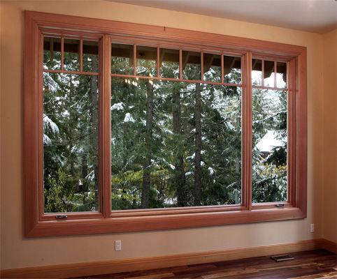 Fabricaci n de ventanas de madera carpintero en almer a for Pintar ventanas de madera exterior