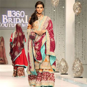 Pakistani Dress Designers on Dresses   Pakistani Fashion Pak Models Bridals Fashion Pak Designers
