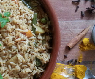 An easy one pot, flavour packed meal of vegetables and rice ready in 40 minutes