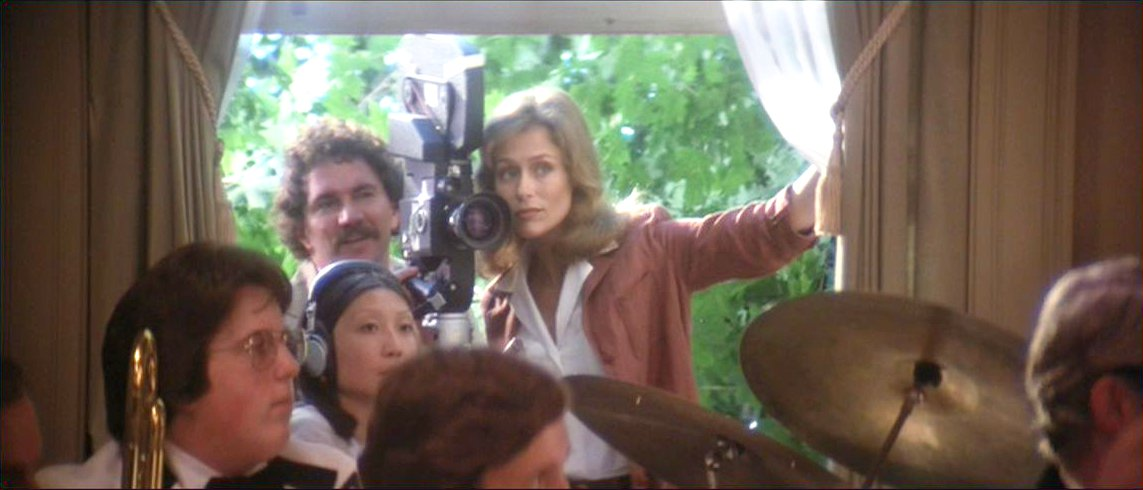 Dreams are what le cinema is for a wedding 1978 for Broadly farcical