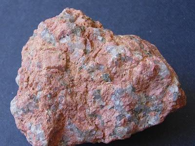 URANIUM NITRICUM (Nitrato de Uranio o de Uranilo)