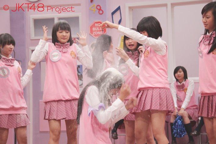 Cleo JKT48 disiram tepung