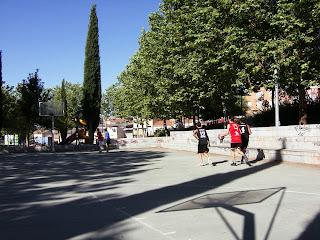 baloncesto en el parque Salamanca