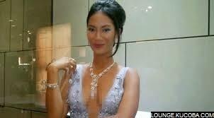 artis tanpa bra indonesia