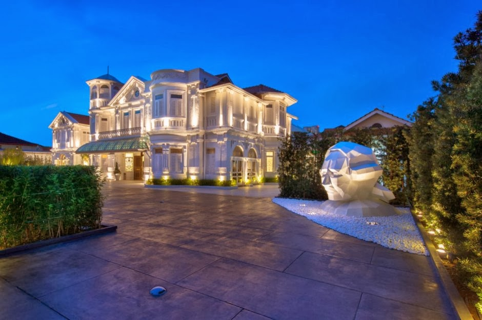 Luxury Life Design Macalister Mansion in Malaysia a