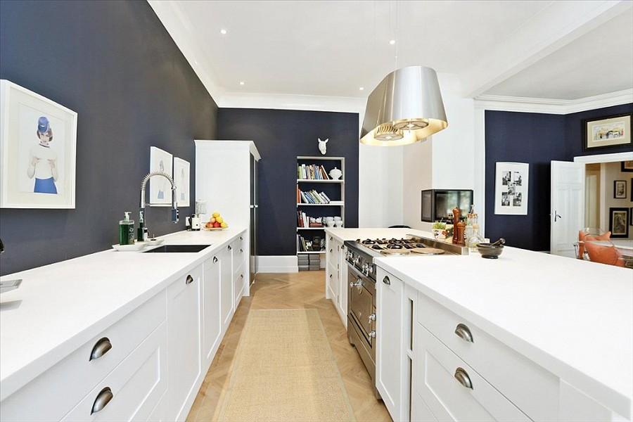 Hvitt kjøkken farge på vegg