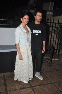 Deepika Padukone Spotted with Ranbeer Kapoor at Special Screening of Tamasa Movie
