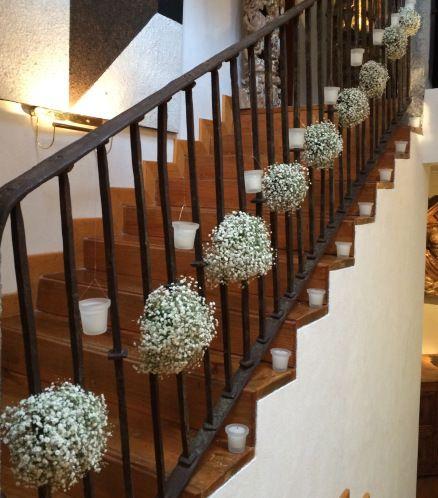 Decoraci n con flores para escalera for Adornos para escaleras