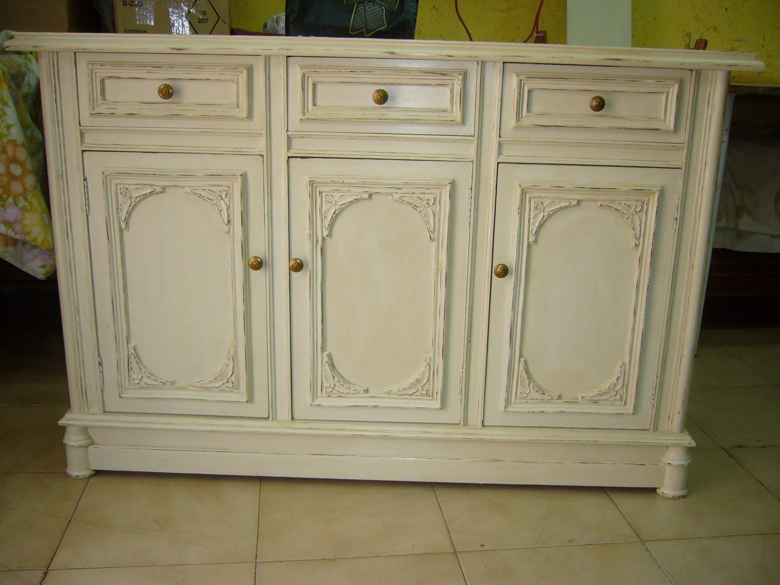 Acabado en blanco envejecido para muebles for Herrajes muebles antiguos