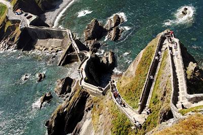 Escadaria da Ilha Gaztelugatxe – Espanha
