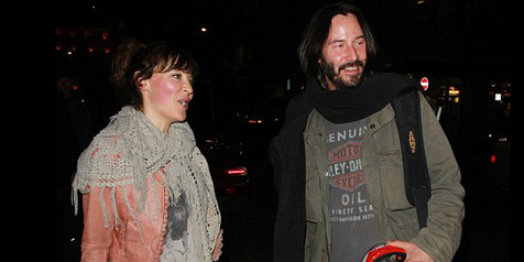 Keanu Reeves Finally Got a Girlfriend Again