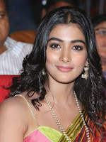 Pooja Hegde glamorous photos at Manam event-cover-photo