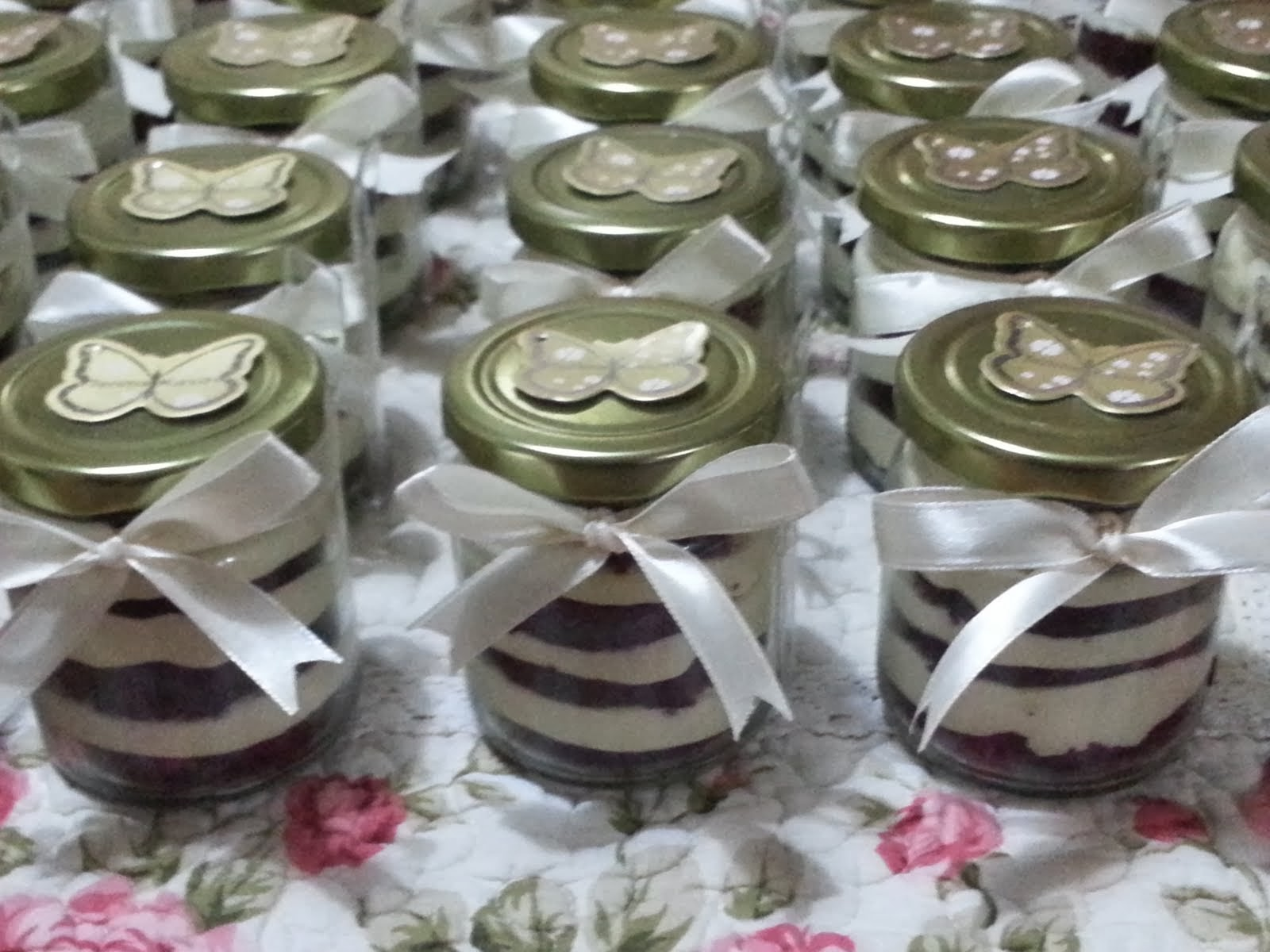 CAKES IN JARS RM 7/JAR