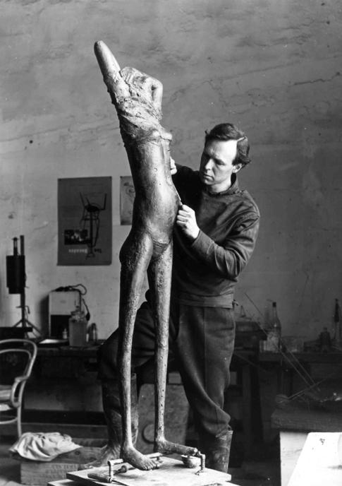 Forma Es Vac O Vac O Es Forma Reg Butler Escultura Bronce