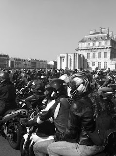 motorcycle demonstration in paris