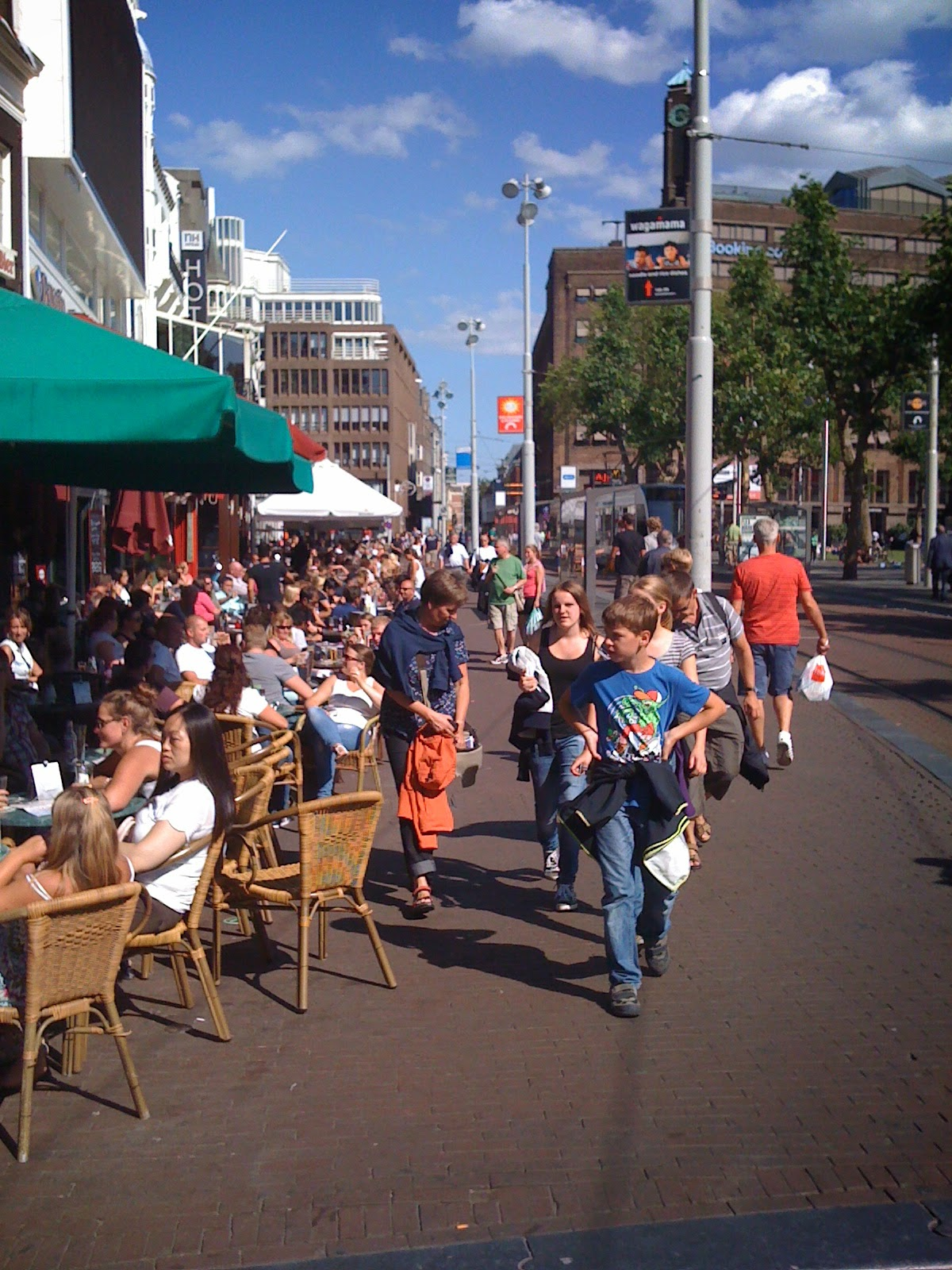 Every year more tourists in Amsterdam