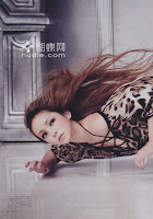 "Namie Amuro >>  mini-álbum ""Naked"" - Página 2 Hq07"