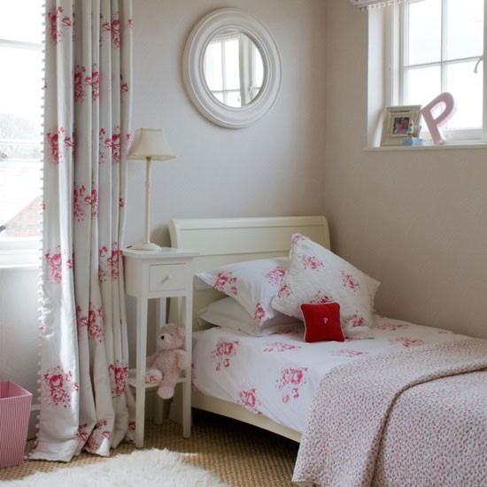 Modern country style easy guide to using florals in a modern country girls bedroom - Girls bed room ...