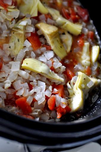 Slow-Cooker-Chicken-Tomatoes-Artichokes-tasteasyougo.com