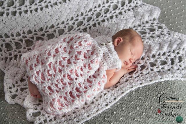 http://craftingfriendsdesigns.blogspot.com/p/serenity-chevron-afghan-crochet-pattern.html