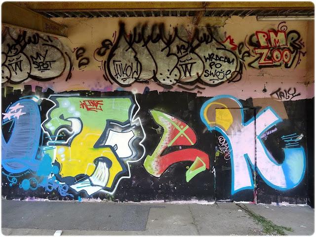 Graffiti z terminala pocztowego przy Towarowej 5