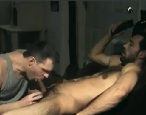 Video amador com chupeta em barbudinho safado