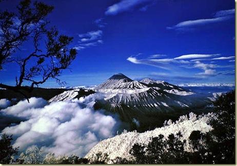 Indahnya Indonesiaku: Salju Abadi Puncak Jaya Wijaya
