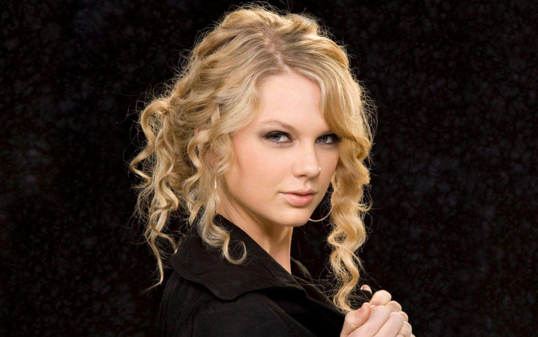http://4.bp.blogspot.com/-8l3MQFKL7jE/UVCTybZiqNI/AAAAAAABwaE/zOUzJPFFdxg/s1600/Taylor-Swift.jpg