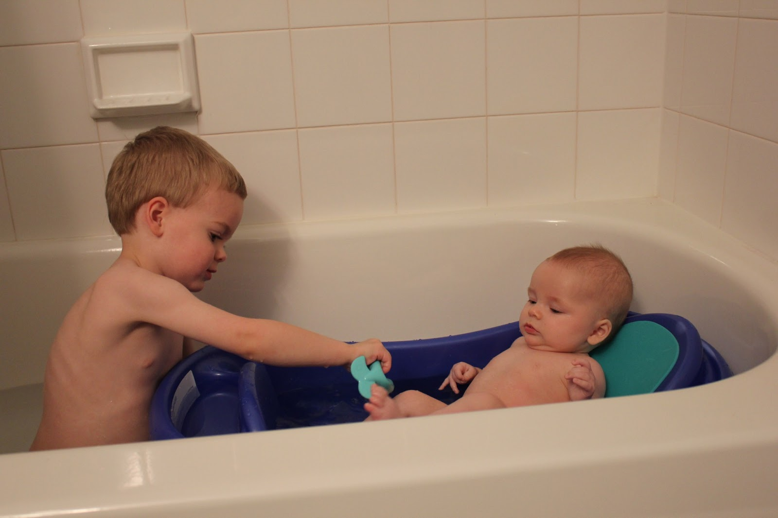 The Jeppson Family Life: Big Brother Bath