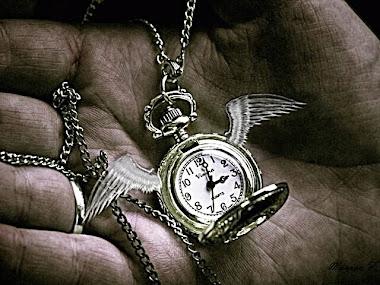 Tiempo, tu reloj de arena soy, solo tienes que darme la vuelta.