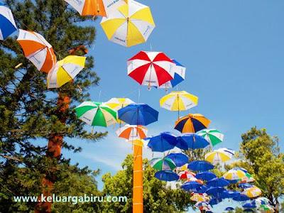 Instalasi Payung Cantik
