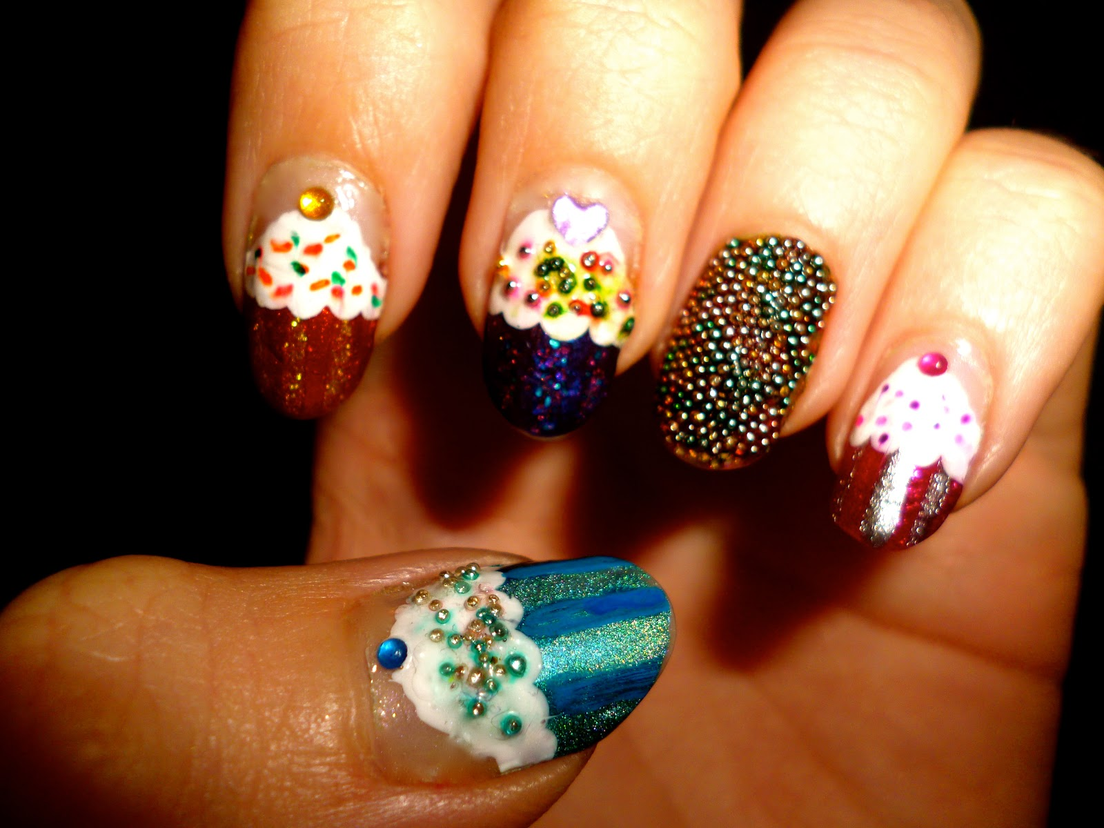 Science, Engineering and Nail Art: Cupcakes and sprinkles ^_^