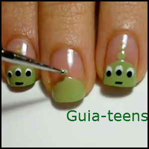 Nail Art for Teens http://guia-teens.blogspot.com/2012/07/nail-art-toy-story.html