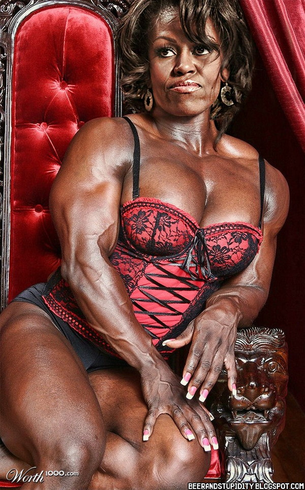 Female muscle babe ginger martin has an amazing body - 3 8