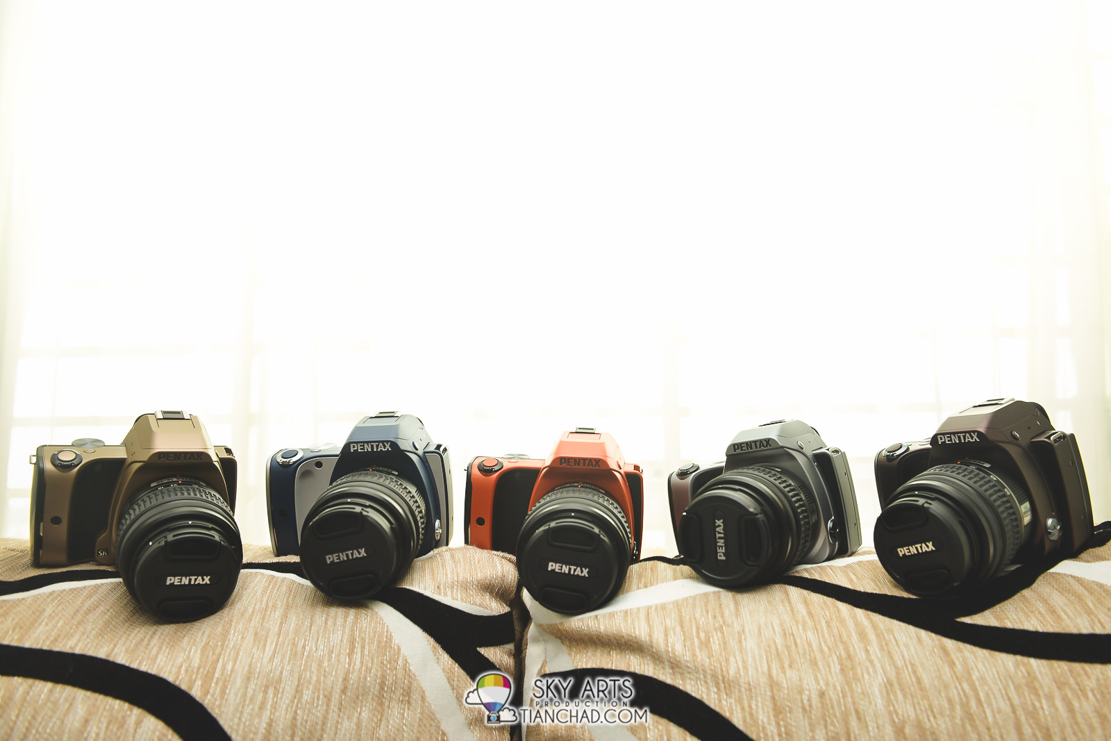 Pentax K-S1 available in 12 fashionable colour variations