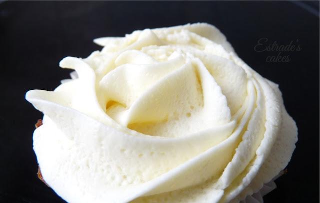 cupcake zanahoria con frosting de queso y chocolate blanco, receta - 03