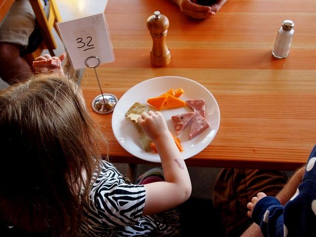 Cara Jitu Untuk Mengatasi Anak Yang Susah Makan