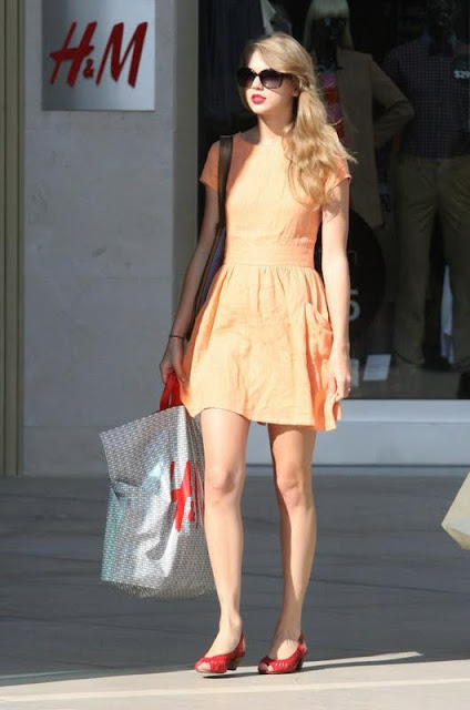 Taylor Swift - Shopping At Westfield Mall In Century City