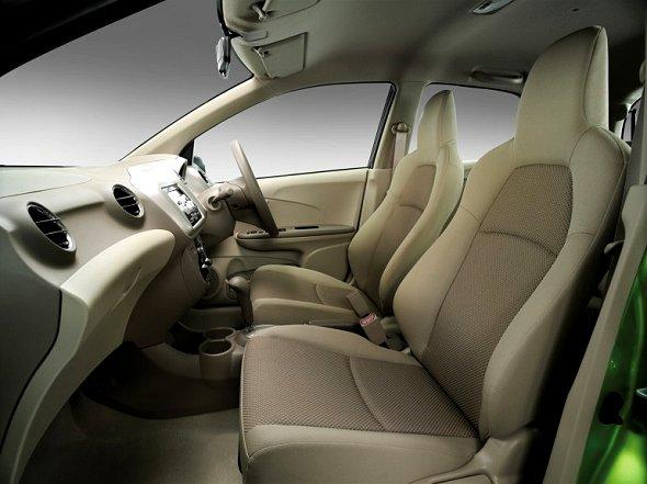 Harga dan Spesifikasi Mobil Honda Brio