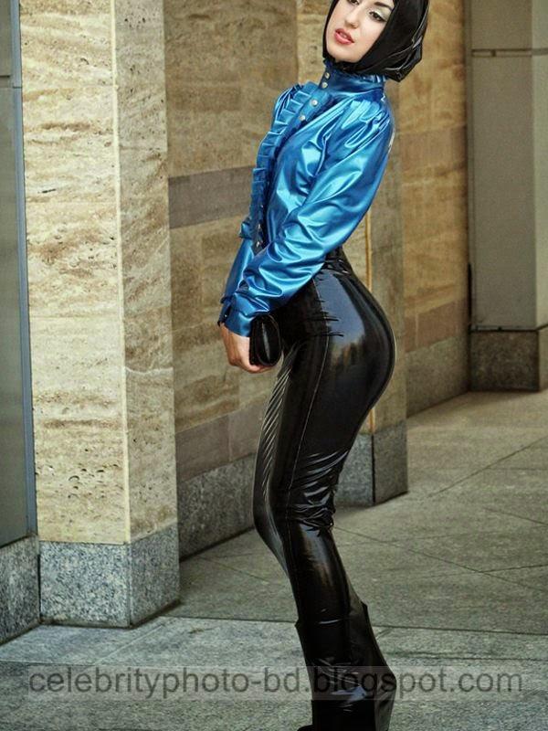 Sexy+Iranian+Hijab+Muslim+Girls+shows+Legs+Photos+In+Tight+Short+Hijab+And+Bikini+Hijab+2014 2015016