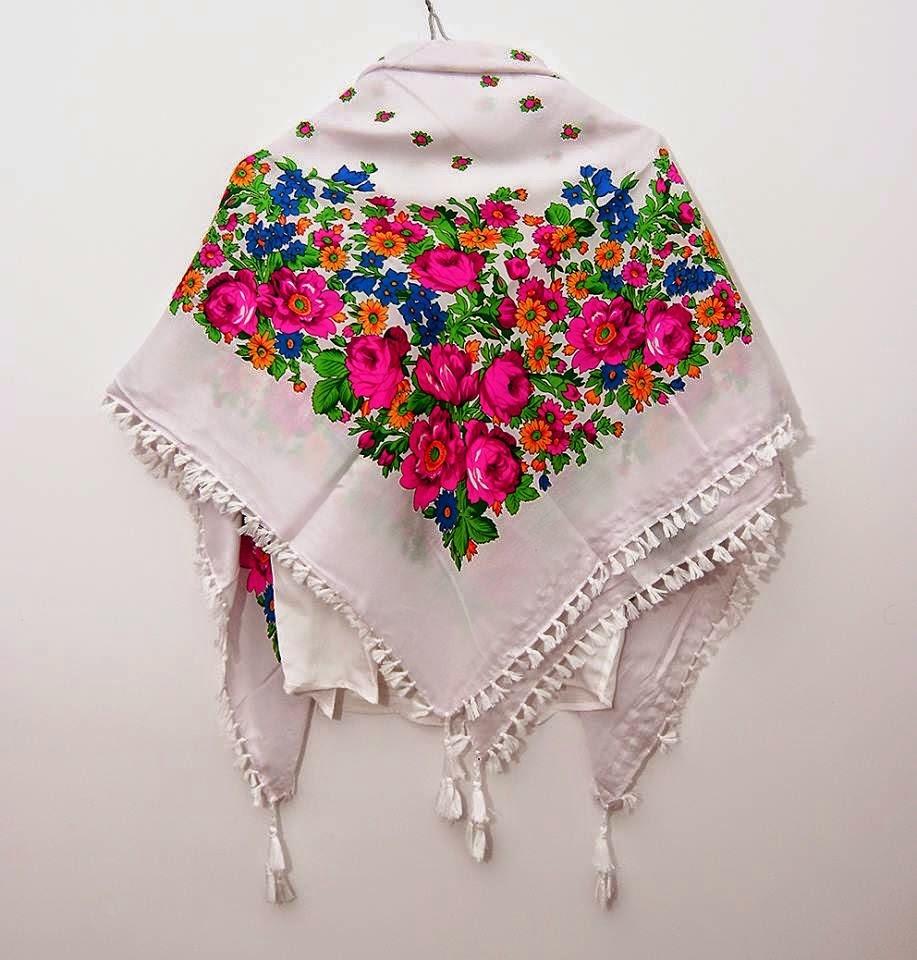 http://moda-re.blogspot.ro/2014/10/esarfa-etno-cu-ciucuri-mare.html