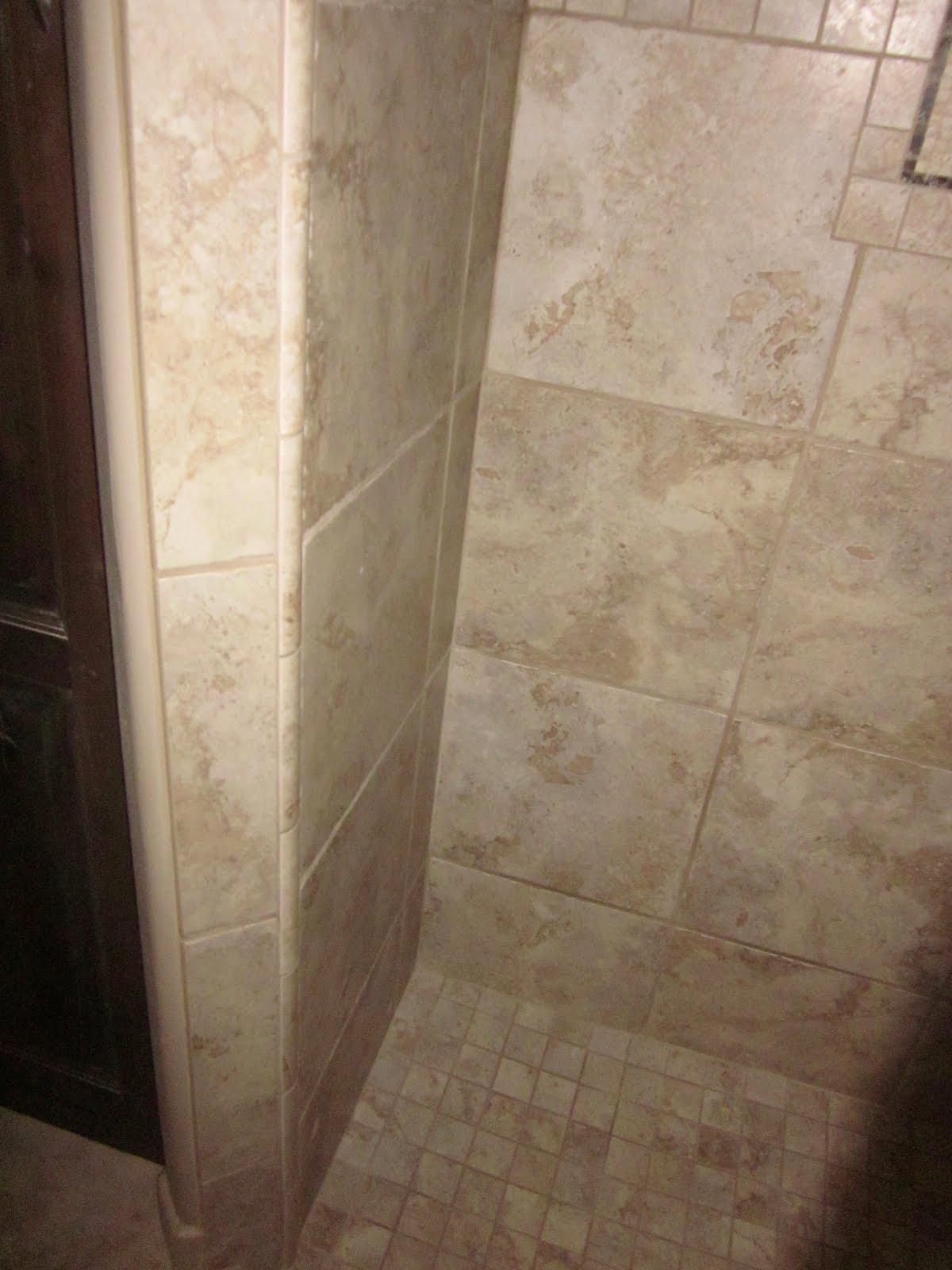 http://4.bp.blogspot.com/-8nEk_0zOMWs/TfzzyItdU8I/AAAAAAAAAJU/M_--ObJRbqk/s1600/Close+up+of+quarter+round+tile+to+get+around+corner+to+door+jam.jpg
