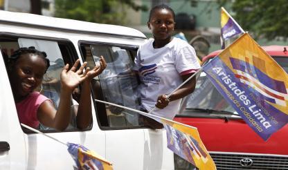 Cabo Verde: JOVENS PERCORREM CAPITAL EM CAMPANHA CONTRA A ABSTENÇÃO