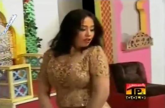 Sheeza Boobs Show Mujra Uff Tufani Raat Way