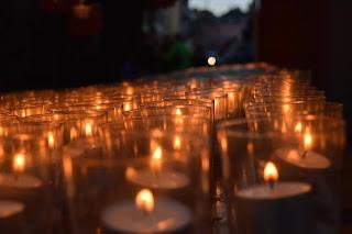 http://amnesty-luxembourg-photos.blogspot.com/2013/12/liicht-vum-fridden-la-ville-de.html
