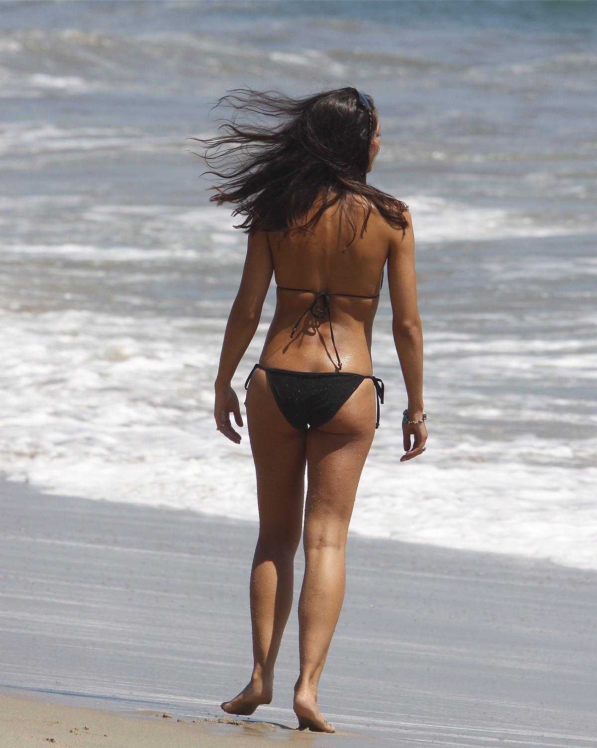 Amazon girls & woman nude