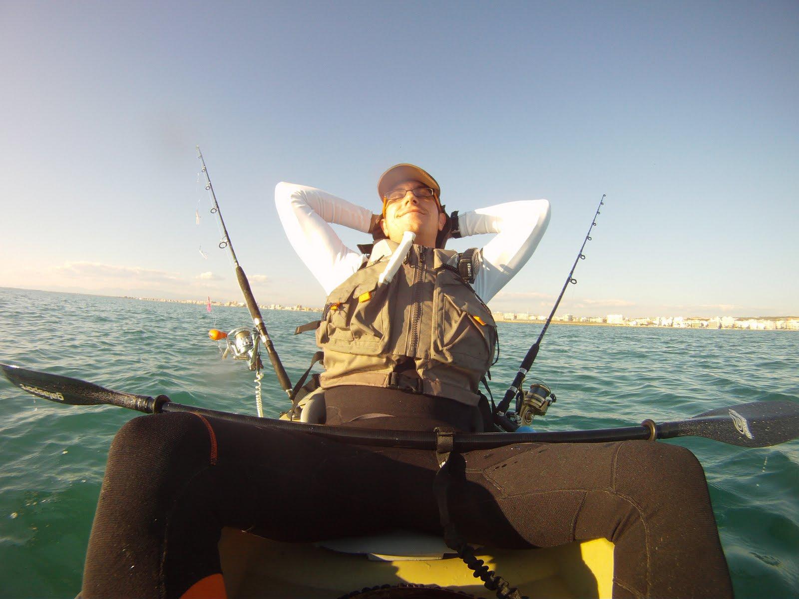 Pescando en el Kayak de estepa