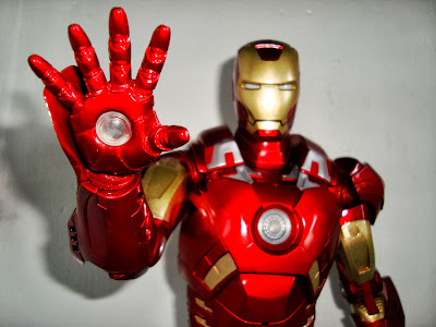 THE AVENGERS MOVIE IRON MAN 1/4 PVC ACTION FIGURINE - NECA Iron-man-18%2527%2527-neca025-725673